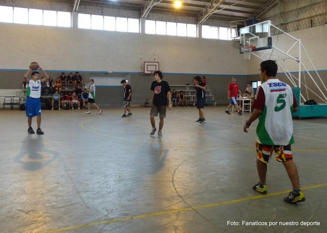 Tres contra Tres en el Polideportivo de El Bolsón