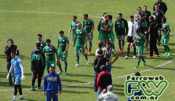 Ferro y otra vez lo mismo: Sin victoria ni Navarro en cancha