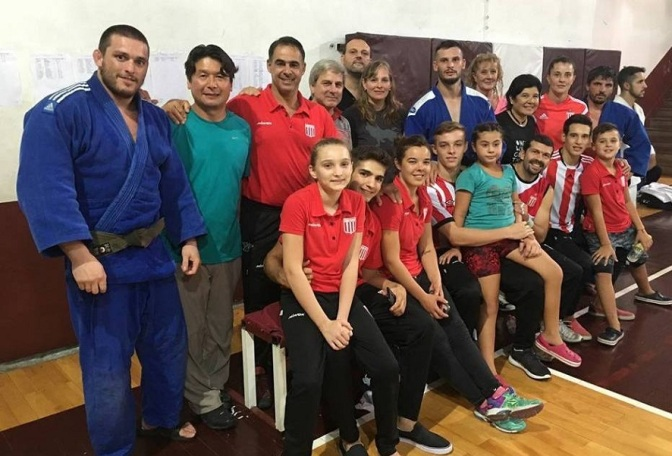 Macazaga gritó campeón en Lanús
