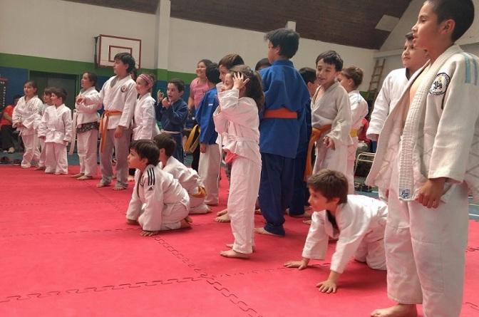 Exitoso primer Festival Infantil de la Comarca