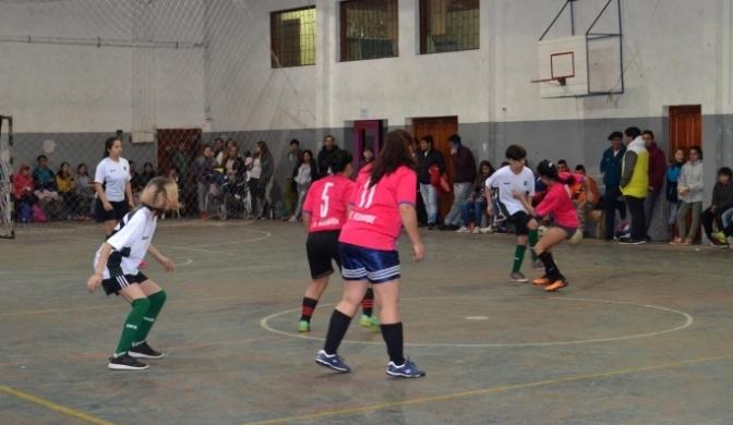 Futsal Institucional y Barrial Femenino en El Hoyo