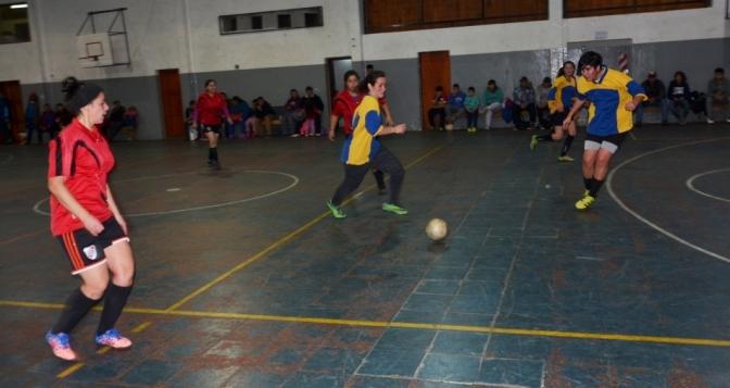 Pasó la segunda del futsal de El Hoyo