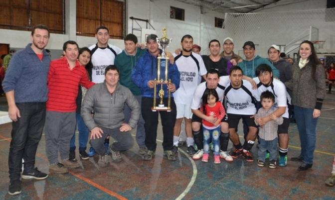 Corralón y Auka campeones en El Hoyo