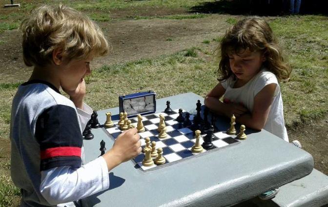 El Bolsón celebró con ajedrez y básquet